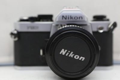 95新二手Nikon尼康 FM2 套(50/1.4)胶片机铝帘(1837)【京】