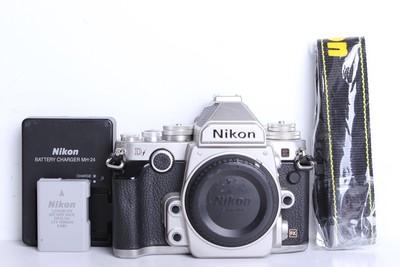 80新二手Nikon尼康 Df 单机 快门37600多次带手柄(B6103)【京】