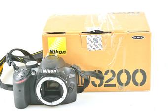 98新 尼康 D3200 单机身