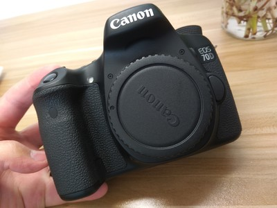 98新佳能EOS 70D单反相机专业级中端无拆修正品