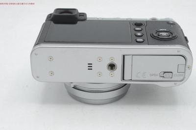 新到 98成新 Fujifilm/富士 X100F 大陆行货 包装齐全 编号8739