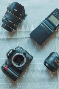 尼康D90+适马50F1.4+尼克尔40  2.8+永诺568 全套4000入门首选