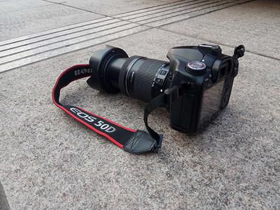 麻烦大家帮我评估一下,这款佳能50D和镜头值多少钱