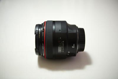佳能顶级人像镜皇 EF 85mm f/1.2L 二代 个人自用 98新 箱说齐全