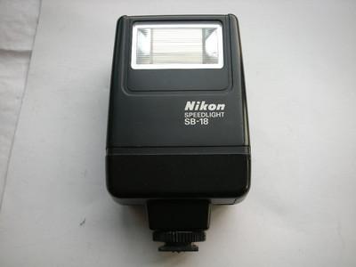很新尼康SB18闪光灯,有TTL闪光,可配各种胶片和数码相机