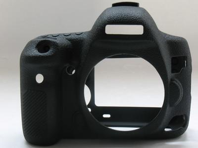 成色很好ABT硅胶套佳能5D4 5D IV硅胶相机保护套表面纹理手感升级