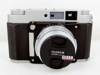 富士Fujifilm GF670W 带皮套和遮光罩