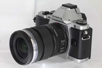 奥林巴斯 E-M5相机+镜头12-50/3.5-6.3套机(NO:4626 8274)