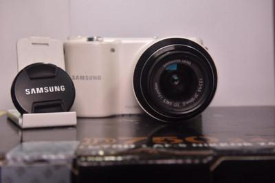 95    新三星NX2000+20+50mm镜头   价格实惠