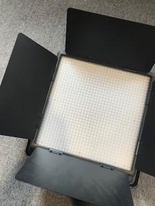 神牛LED1000C摄影灯出售,95新,需要的联系