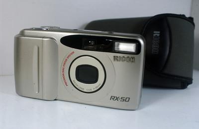 理光全自动胶片照相机(RICOH RX--50--30mm定焦)