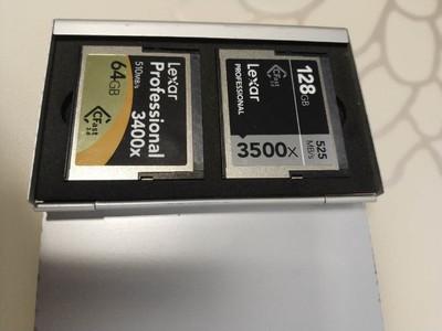 雷克沙 CF 128GB 1066X 64G两张卡外加专用读卡器转让