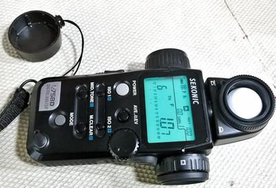 世光 L-758D 测光表