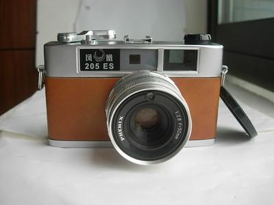 很新凤凰205E红皮白身经典相机,金属制造,送皮套。收藏使用上品