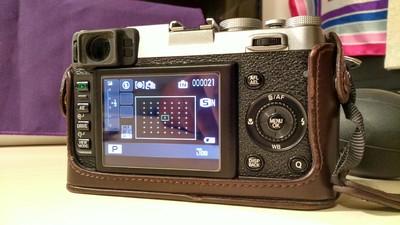 富士X100S配套两支原厂附加镜