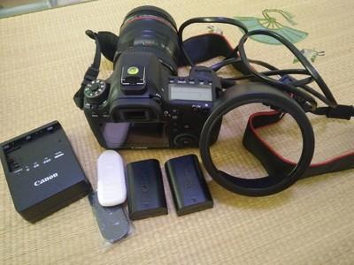 佳能 6D+24-105的镜头、32G内存卡、小包、UV镜、双电池