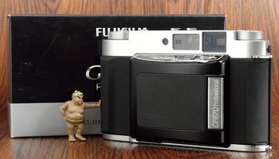 富士 GF670 中画幅 胶片 便携 折叠机 全新样机