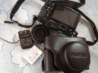 富士x30数码相机