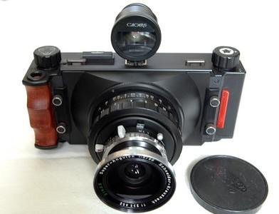 代友出,一手自用杨氏一代6×12胶片宽幅相机