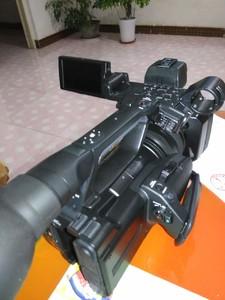 索尼 HXR-NX3