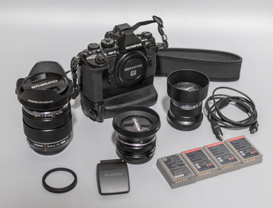 奥林巴斯 E-M1 + 12-40mm/2.8 + 17mm/1.8 + 45mm/1.8