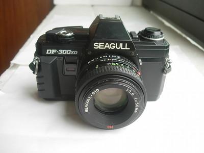 很新海鸥DF300单反相机带50mmf1.8多膜镜头,收藏使用