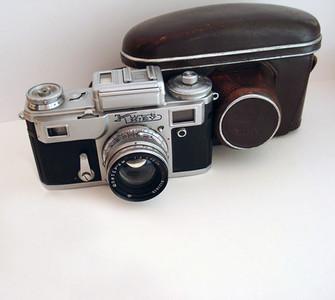 基辅4型相机(带镜头及皮套)