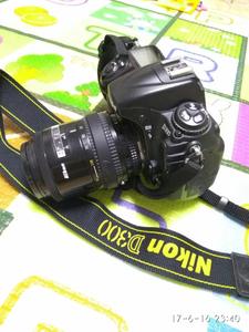 尼康 D300带镜头手柄