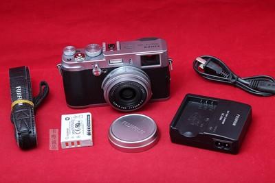 Fujifilm/富士 X100 旁轴相机 专业单反备用机 实物拍摄 美品成色