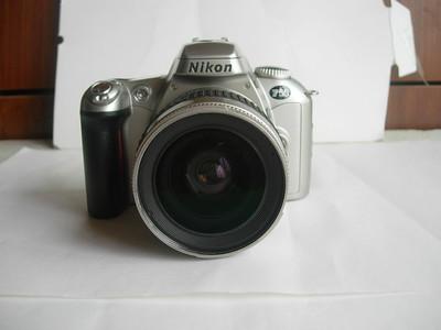 很新尼康F55单反带原厂28--80mmG镜头,相机可使用尼康G系列镜头