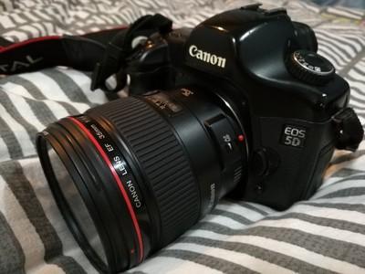 佳能5D+35L一套,全画幅、红圈头,经典搭配