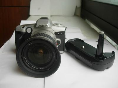 很新美能达a3豹速单反相机AF28--80mm镜头,电池盒,收藏使用