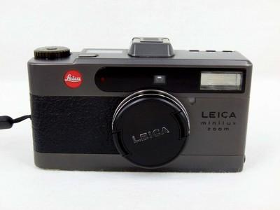 带皮套的徕卡 Leica Minilux 灰色
