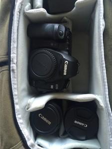 闲置佳能 5D Mark II 带两个原厂镜头,磨损超小当新的用