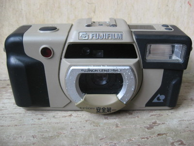 出: 富士Epion APS防水相机一台,80元包快. .