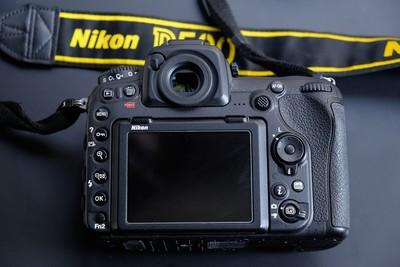 出自用尼康 D500,赠索尼64G的XQD卡