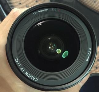 【出售】佳能EF17-40镜头  镜身95新,遮光罩有划痕,