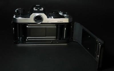 尼康FM银色胶片机