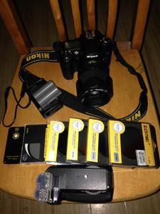 转让D90 18-105套机 并随相机附送十件D90配件