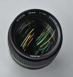 哈尔滨出售尼康85/F1.4手动镜头