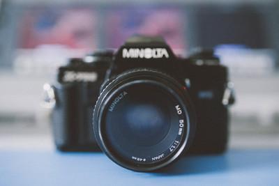 x700胶片机,送三个镜头!50 1.7 ,28 70,70 210 无敌焦段!