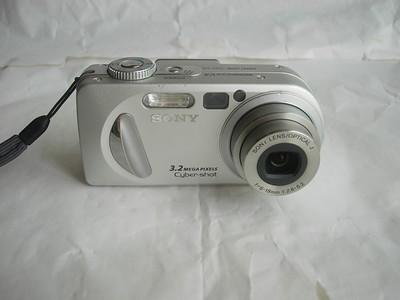 很新索尼 P8银色数码相机