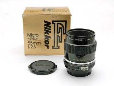 成色很新的带包装尼康AIS 55/2.8微距镜头