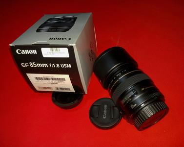 佳能 EF 85mm f/1.8 USM  全套很少用,成色新。