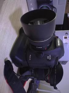 佳能 5D3+16-35 2.8+50定1.4+原厂电2+32TF卡+UV镜+原厂手柄