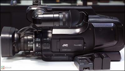 JVC JY-HM85AC高清存储卡式摄录一体机 PAL 制式 摄像机