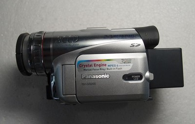 松下NV-GS200 3CCD 摄相机 完美成色 (可置换回收)