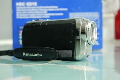 松下全高清摄像机HDC-SD10