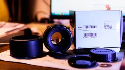 带包装盒EF50 f/1.4 USM,送kenko pro1