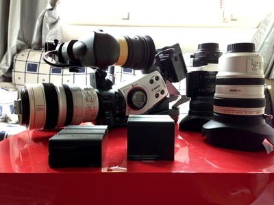 佳能专业摄像机XL2+3支原厂镜头+全部原厂配件!有图!!!
